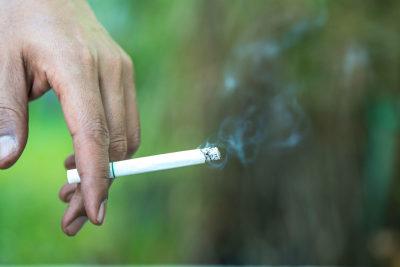El tabaco y la DMAE