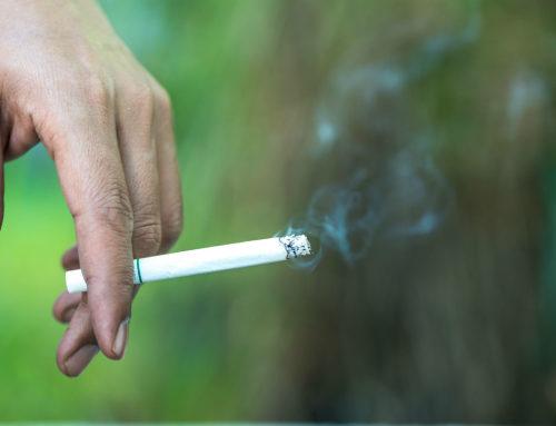 El tabaco aumenta el riesgo de padecer DMAE