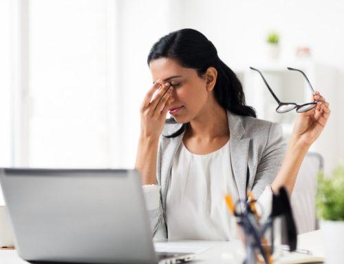 Cómo prevenir los ojos cansados y la fatiga ocular digital